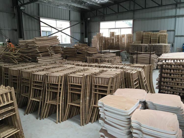 wood chiavari chair